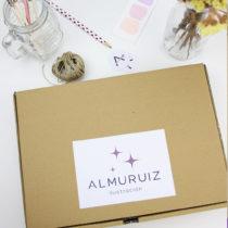 caja de cartón para entregar el dibujo